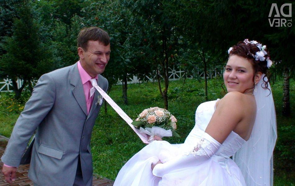Θα πουλήσω ένα κοστούμι για έναν γάμο