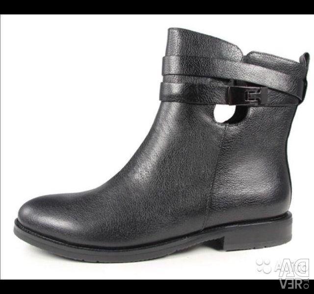 Новые ботинки на осень bravo на 39 размер