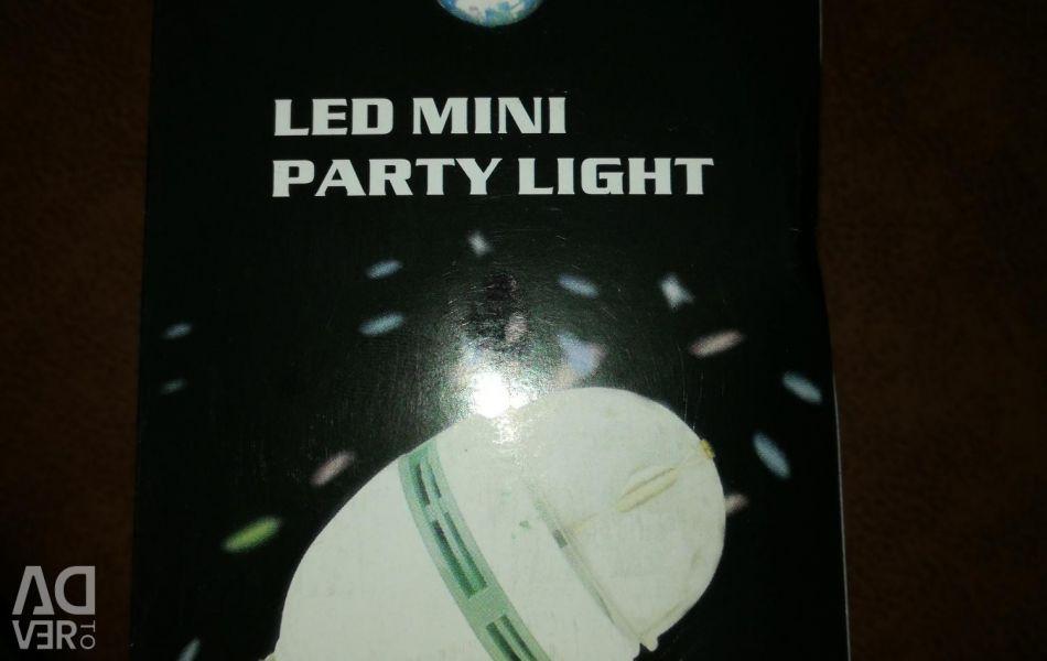 Holiday light bulb