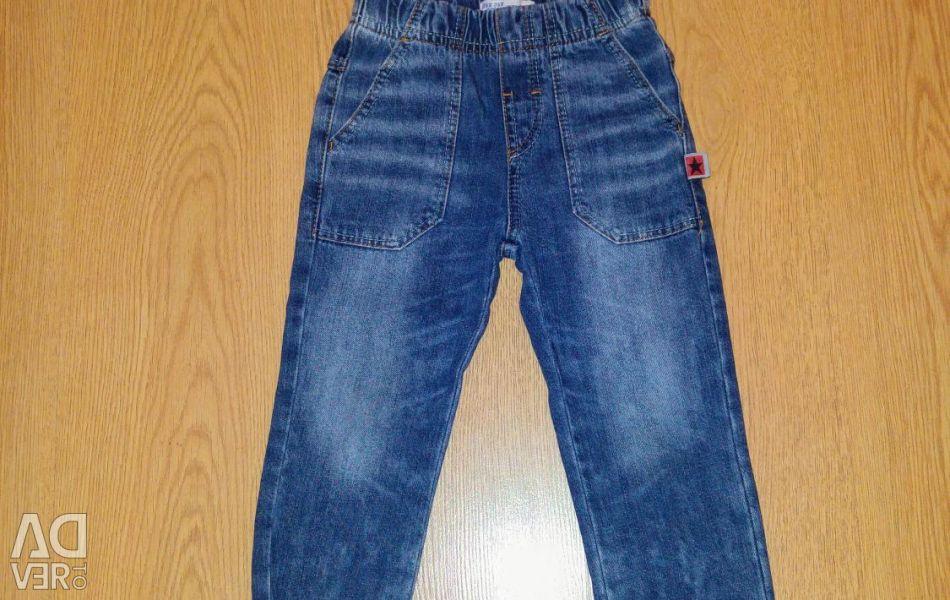 Jeans pentru un băiat (nou)