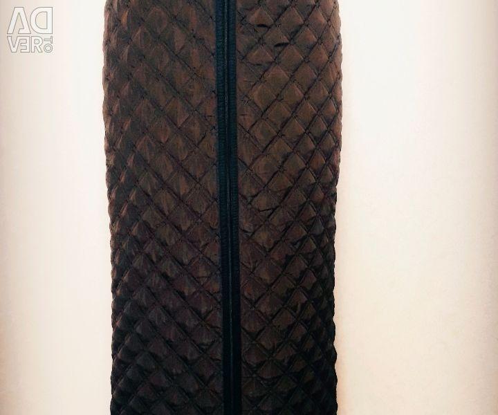 Insulated skirt