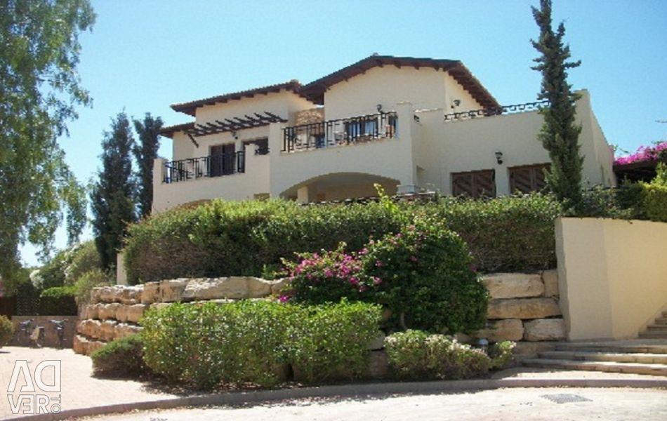 Aph Zephyros Köyü'nde Üç yatak odalı apart