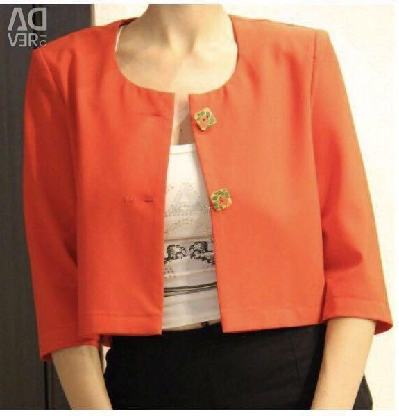 Стильный красный пиджак с деревянными пуговицами