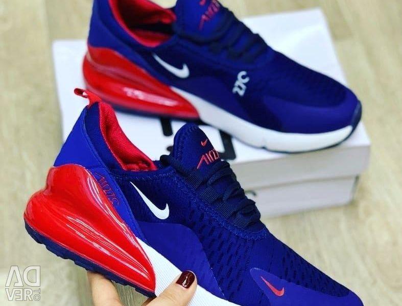 Παπούτσια διαθέσιμα!