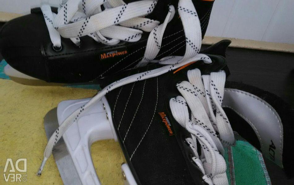 Skates 39 r