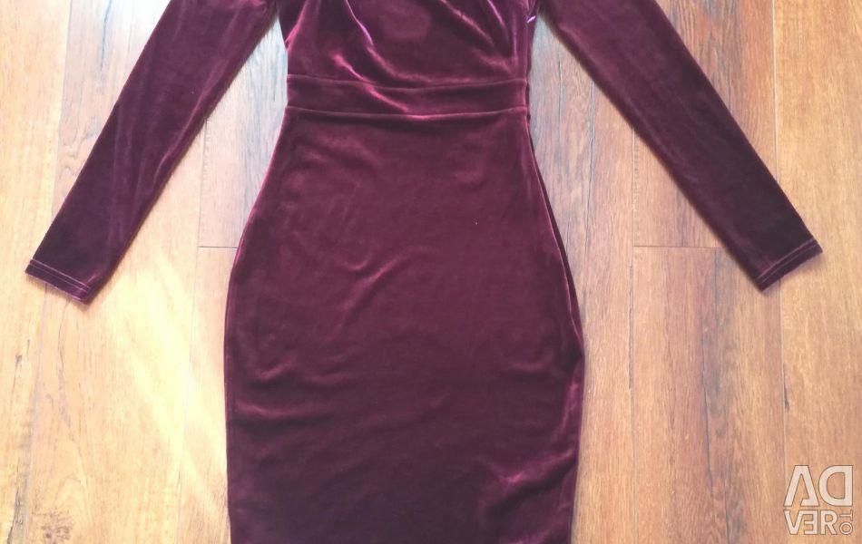 Жіночне плаття (нове)