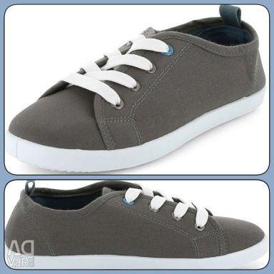 NEW sneakers Kiabi 34