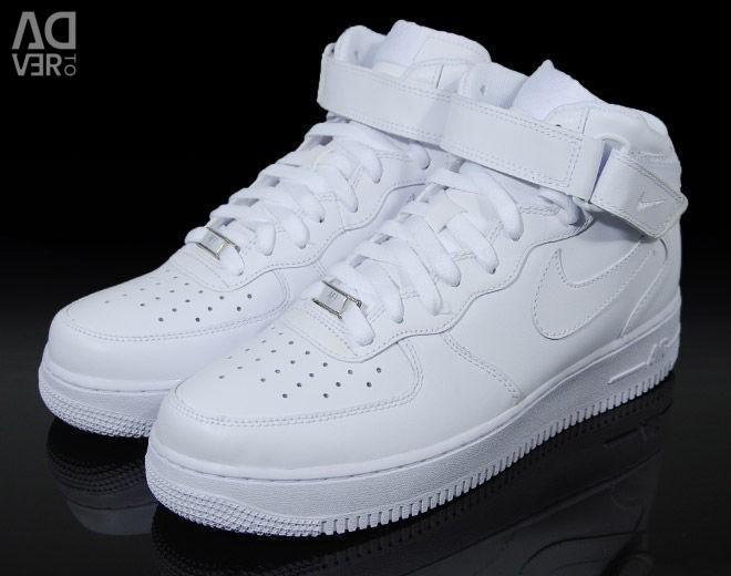 Spor ayakkabı Nike hava kuvvetleri. Hakiki deri