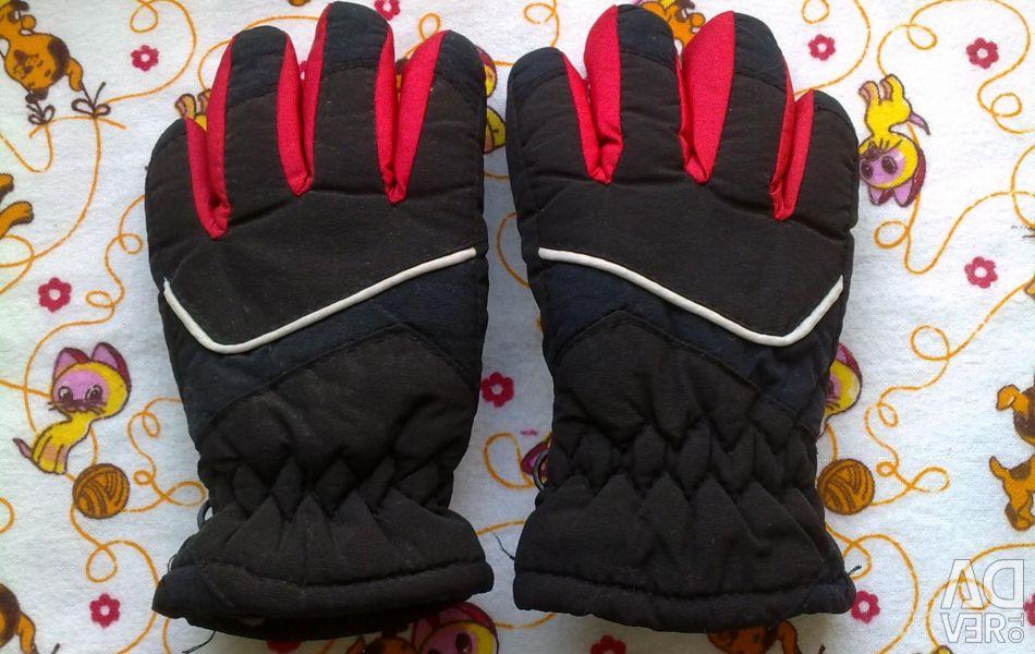 Winter gloves, 2-4 years