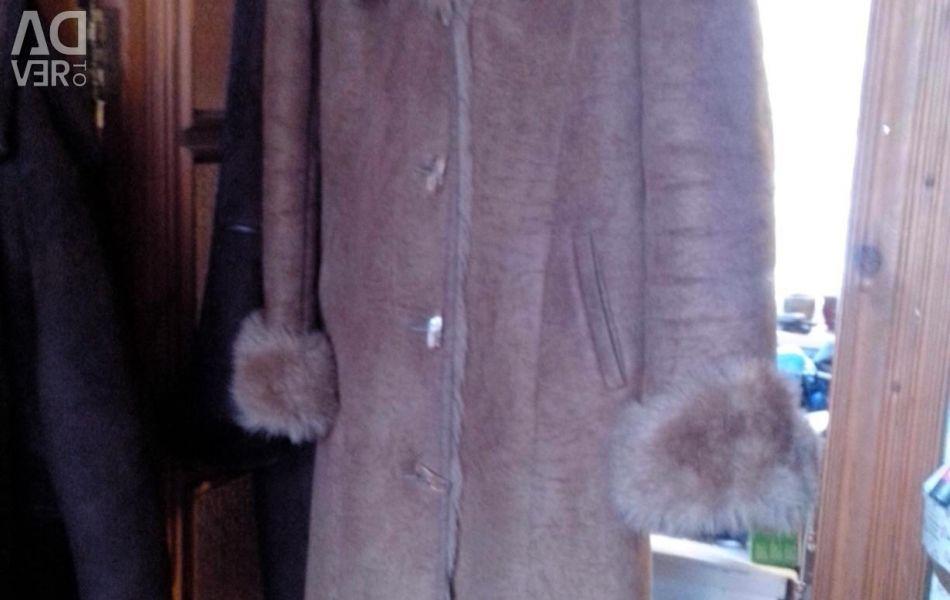 Sheepskin coat artificial