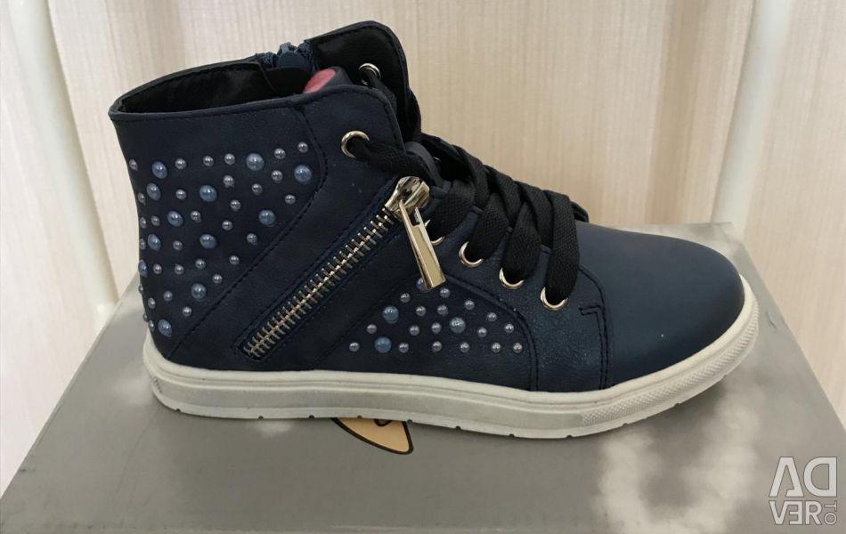 Обувь для девочки новая СКАЗКА