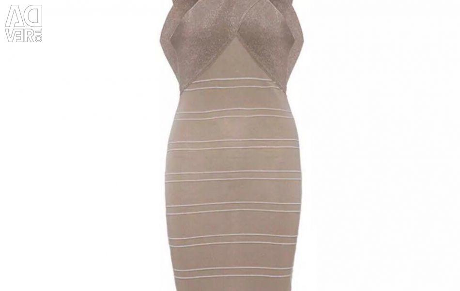 Το φόρεμα είναι μόνο μια βόμβα