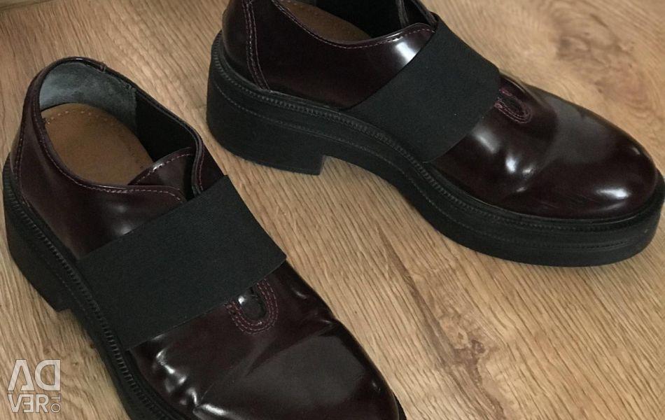 Бордові черевики товста підошва