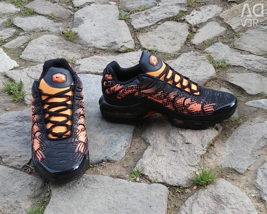 Nike Air Max Plus Tn Sneakers 42 Reptile, city Yekaterinburg